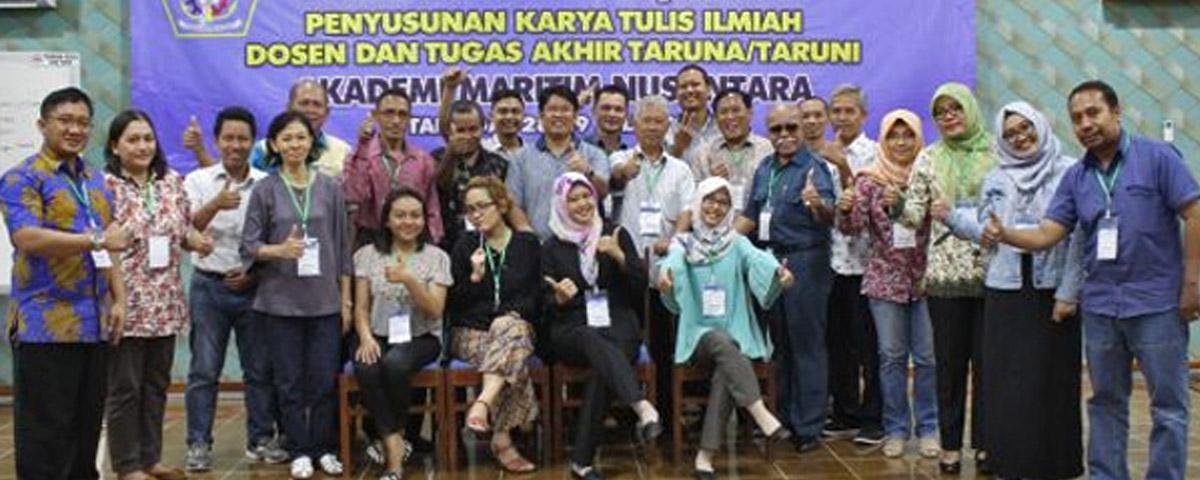 Workshop Penyusunan Karya Tulis Ilmiah bagi Dosen